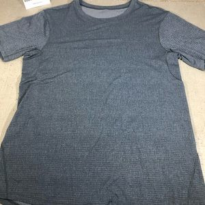 Lulu lemon men's active tech shirt fits size M